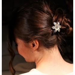 Barrette fleur VIP blanche